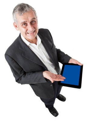 Senior with tablet1